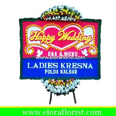 Bunga Papan Happy Wedding Jakarta Utara EJKTW-009